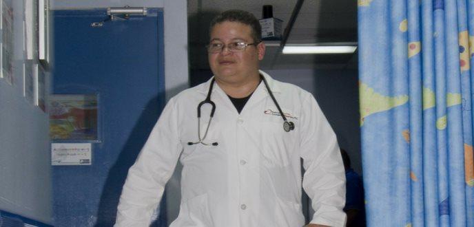 Hacia la tercera aspiración de la presidencia del colegio el Dr. Víctor Ramos