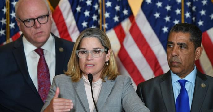 "Alcaldesa declara ""estado de urgencia"" en San Juan por coronavirus"