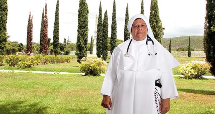 Sor Nelly Marie Arroyo: La única monja médica en Puerto Rico