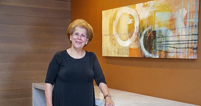La primera mujer hispana en ser Cirujana General de los Estados Unidos