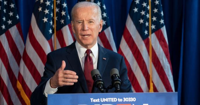 Presidente electo Joe Biden recibe inmunización contra el COVID-19