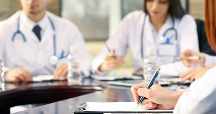 Convocan a profesionales de la salud para capacitación de vacunas contra COVID-19