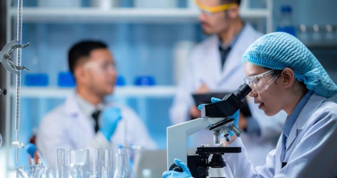 Científicos chinos encuentran COVID-19 en semen de infectados