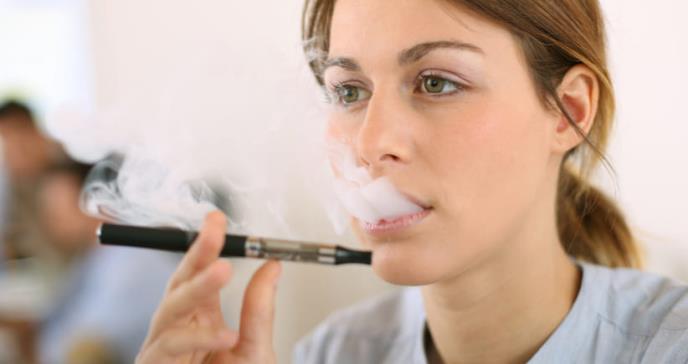 El componente de los cigarrillos electrónicos que causa lesión pulmonar
