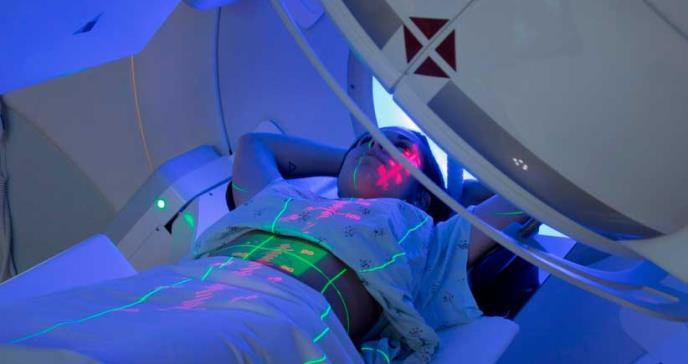Desarrollan nanocápsulas de carbono para la radioterapia contra el cáncer