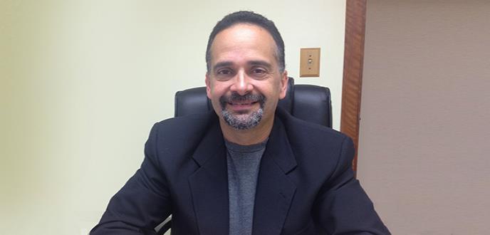 Dr. Luis Ambert Valderrama: primer urólogo especializado en la salud de la mujer en la isla