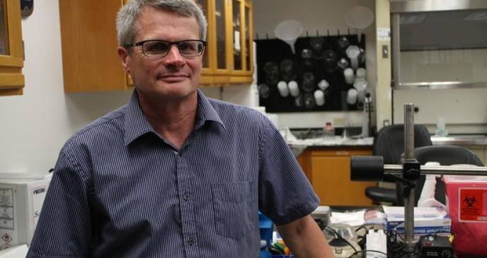 Dr. Gregory Quirk apuesta al desarrollo de más científicos boricuas