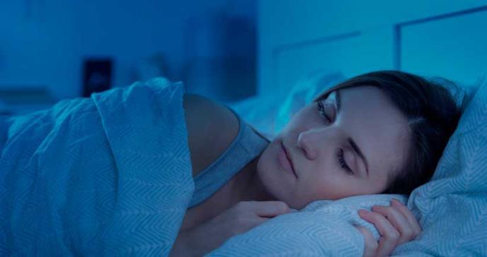 Dormir nueve horas por noche aumentaría el riesgo de accidente cerebrovascular
