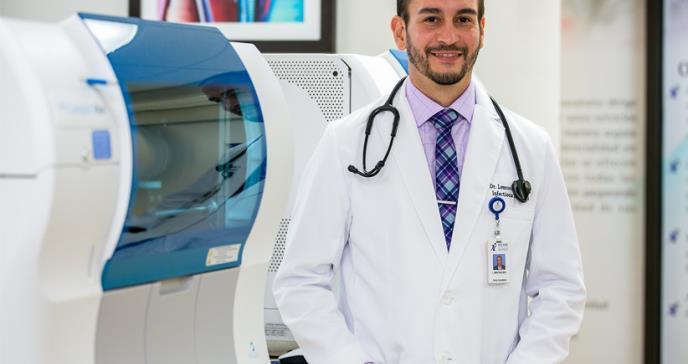 """Dr. Martínez: """"Desde la clase médica debemos recapitular todos los beneficios que ha tenido la vacunación"""""""