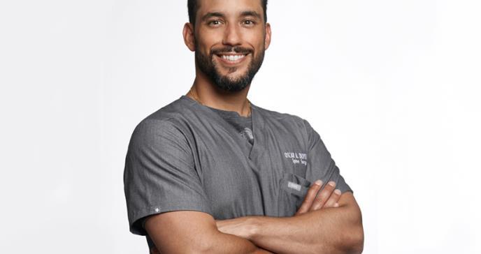 Dr. Oscar Duyos: único ortopeda en cirugía robótica de columna en Latinoamérica