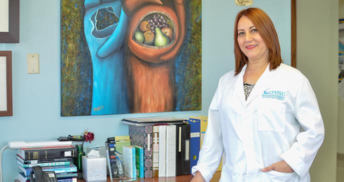 Dra. Idhaliz Flores: de paciente a principal investigadora de la endometriosis