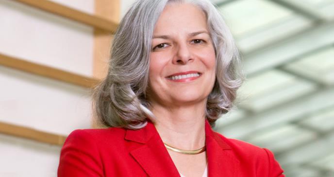 Dra. Gerbending: el modelo farmacéutico enfocado más en el paciente y menos en la enfermedad