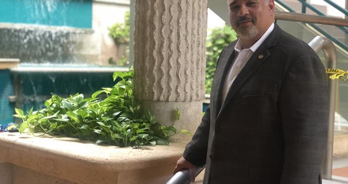 Dr. Edmundo Jordán, un cardiólogo que impulsa el trato integral en sus pacientes