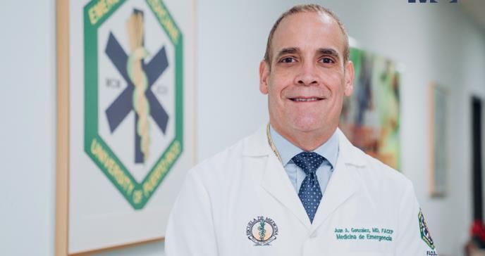 El profesor de medicina al que sus alumnos residentes le salvaron la vida