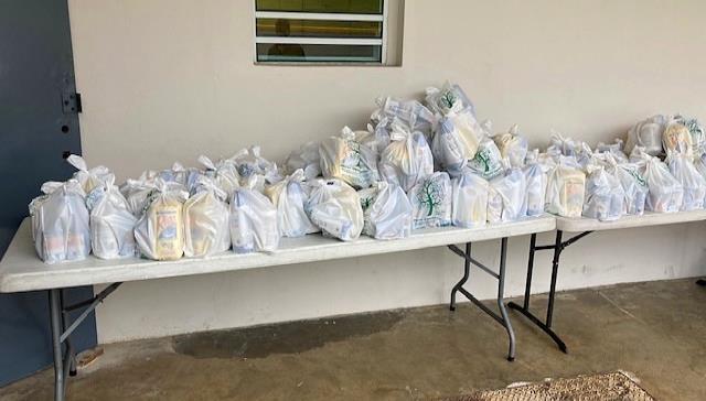 UCC entrega alimentos a 100 estudiantes
