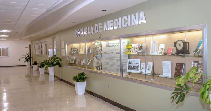 Escuela de Medicina de la UPR recibe acreditación completa hasta 2025