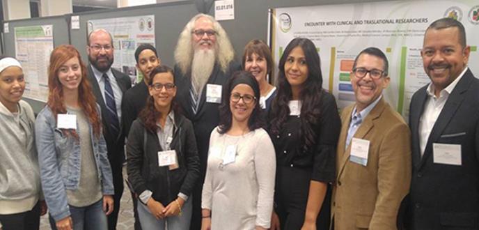 Estudiantes boricuas son coautores de cartel en prestigiosa conferencia celebrada en Washington, DC.