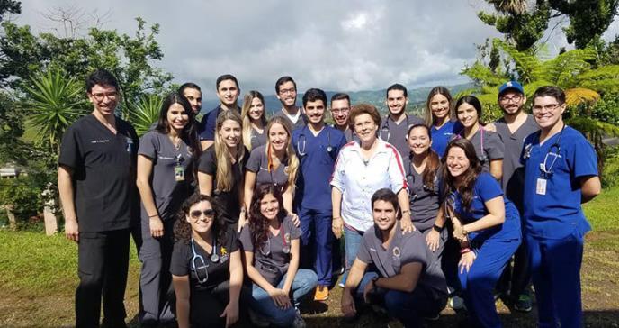 Estudiantes regalan su tiempo a favor de la salud puertorriqueña