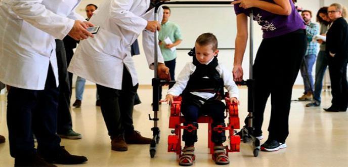 Crean primer exoesqueleto pediátrico portable