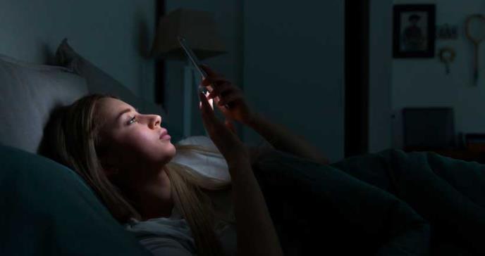 Exposición a luz azul de pantallas podría acelerar el envejecimiento