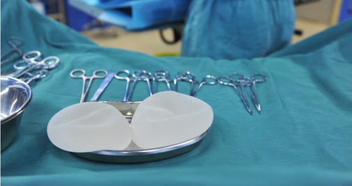 FDA advierte del aumento de agresivo linfoma en mujeres con implantes de seno