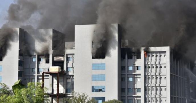 Incendio en fábrica de vacunas más grande del mundo deja 5 muertos
