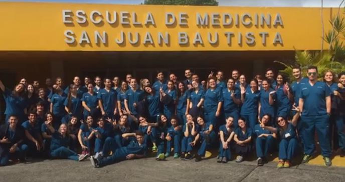 Escuela de Medicina San Juan Bautista gradúa  60 nuevos médicos puertorriqueños