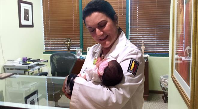 Nace saludable bebé de madre con distrofia muscular al someterse al procedimiento de Diagnóstico Genético Preimplantación