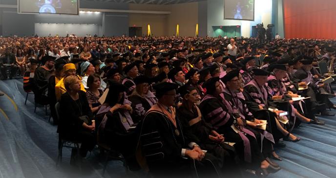 Graduación Recinto Ciencias Médicas