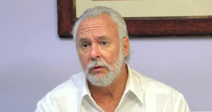 Editorial: Dr. Johnny Rullán
