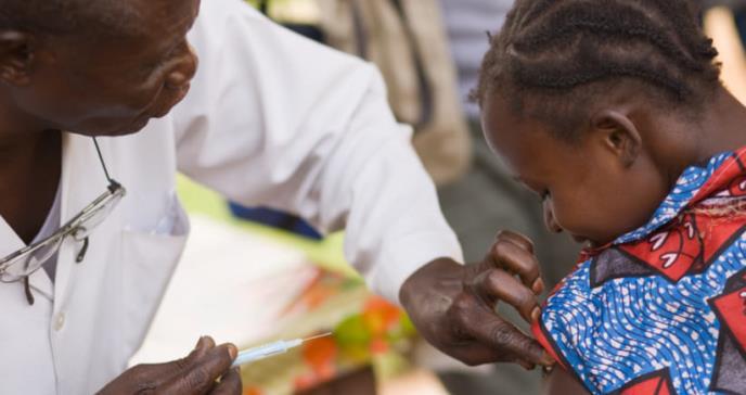 La protección de la vacuna contra la malaria depende de la cantidad y calidad de anticuerpos