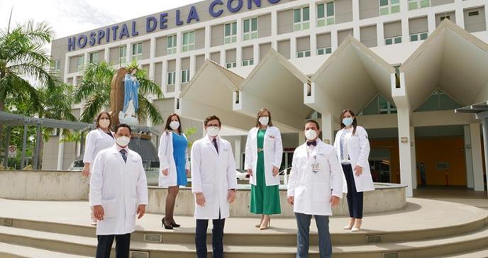 Hospital de la Concepción gradúa médicos internistas