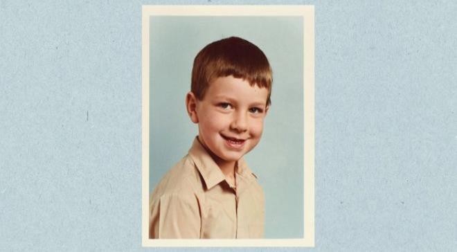 El niño al que contagiaron de VIH a los 8 años y creció sin poder contárselo a nadie