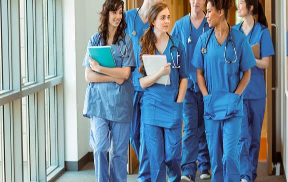 Con nuevos proyectos y más estudiantes la principal Escuela de Medicina del país