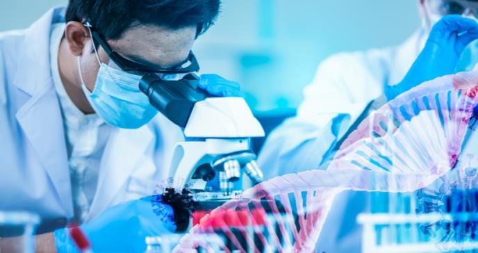 Tratamiento con anticuerpos para la COVID-19 evidencia mejores resultados que la terapia con plasma
