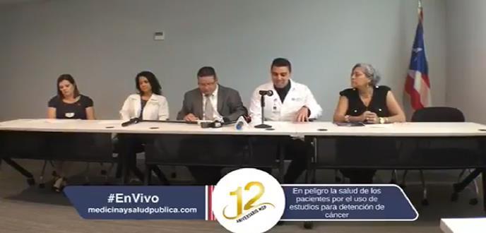 Conferencia de prensa donde se expone alegados riesgos a la salud