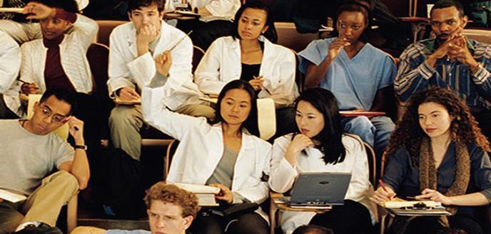 Más puertorriqueños deciden estudiar Medicina en el país