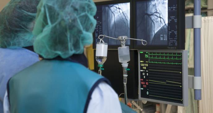 El catéter podría ser menos eficaz que la terapia medicamentosa para evitar accidentes cerebrovasculares