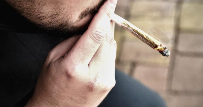 La mitad de los jóvenes con psicosis y esquizofrenia son consumidores de cannabis
