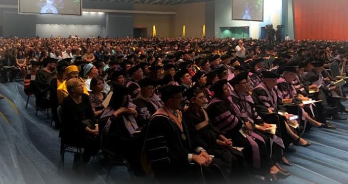 Recinto de Ciencias Médicas gradúa a más de 800 profesionales de la salud