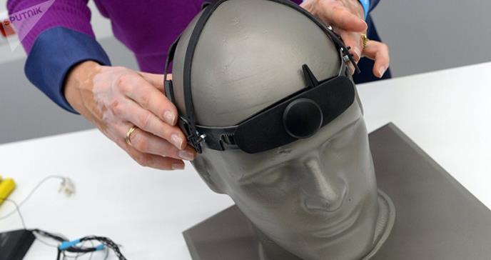 Científicos presentan dispositivo que facilita la comunicación gracias al pensamiento