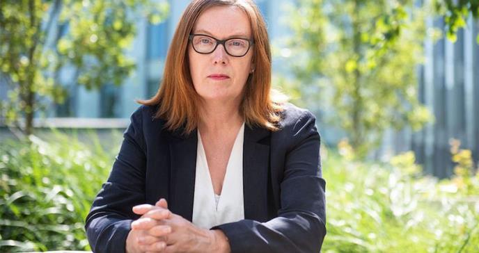 La científica Sarah Gilbert desarrolla la vacuna del COVID-19 y la testea en sus hijos