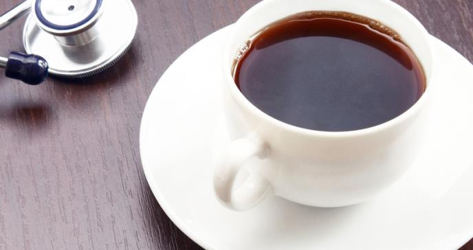 Consumir café evitaría el riesgo de caídas en adultos mayores
