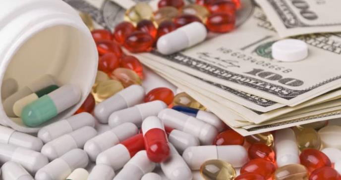 Farmacéuticas son multadas por altos precios en medicamentos