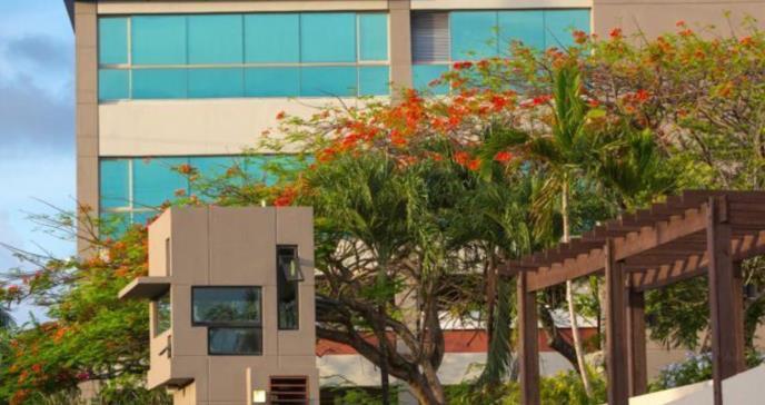 Nova Southeastern University de Puerto Rico suspende clases ante posible paso de huracán Irma