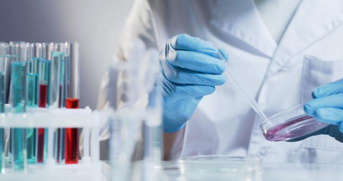 Uso de terapia biológica en dermatología en el brote de COVID-19