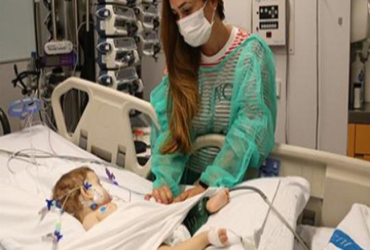 Trasplantan con éxito un solo hígado a dos niñas de 1 y 13 años