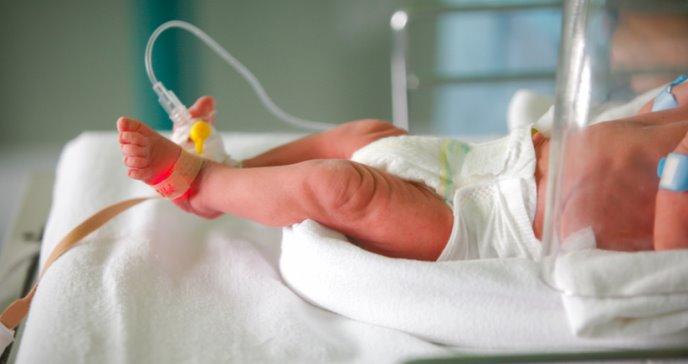 Fallecen más bebés por COVID-19 en el Brasil que en los Estados Unidos