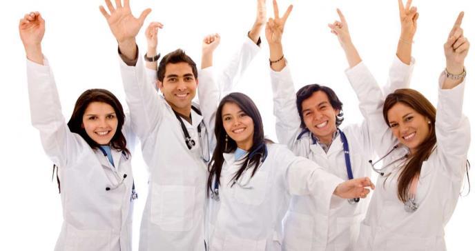 Celebran su investidura 109 futuros médicos puertorriqueños