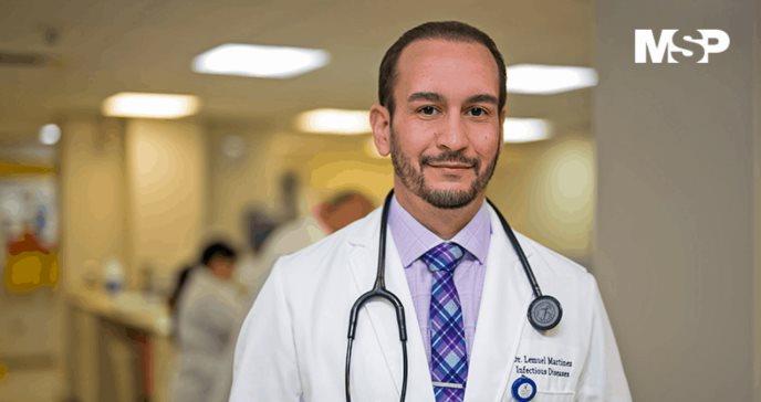 """Dr. Lemuel Martínez: """"Es importante volver a dar un paso atrás frente al COVID-19"""""""